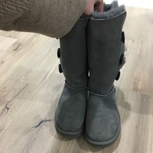 Authentic Ugg Bailey Button Genuine Shearling Boot